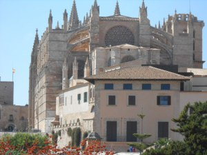 cathedral-from-rear-087