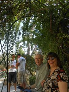 Francis and Sally at garden tomb (Medium)